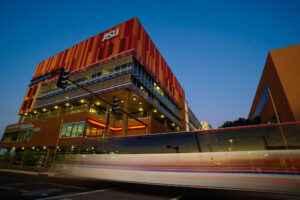 亚利桑那州立大学(ASU)团队入围国家竞赛,最高可获100万美元帮助亚利桑那州中产阶级。